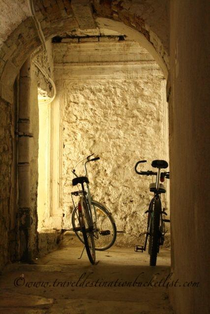 hidden in the shadows, Zadar Croatia    www.traveldestinationbucketlist.com